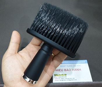 choi-phui-toc-barber-can-nhua